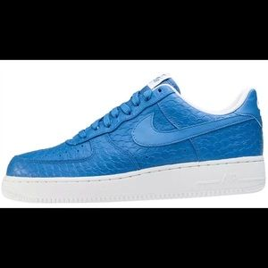 Nike Air Force 1 07' size 8 blue